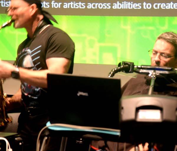 Dave Whalen Plays the Jamboxx with Erik (Robosax) Klein